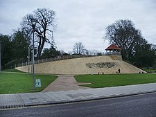 Castle Hill, Bedford - geograph.org.uk - 646086.jpg