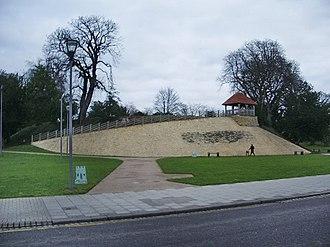Bedford Castle - Image: Castle Hill, Bedford geograph.org.uk 646086
