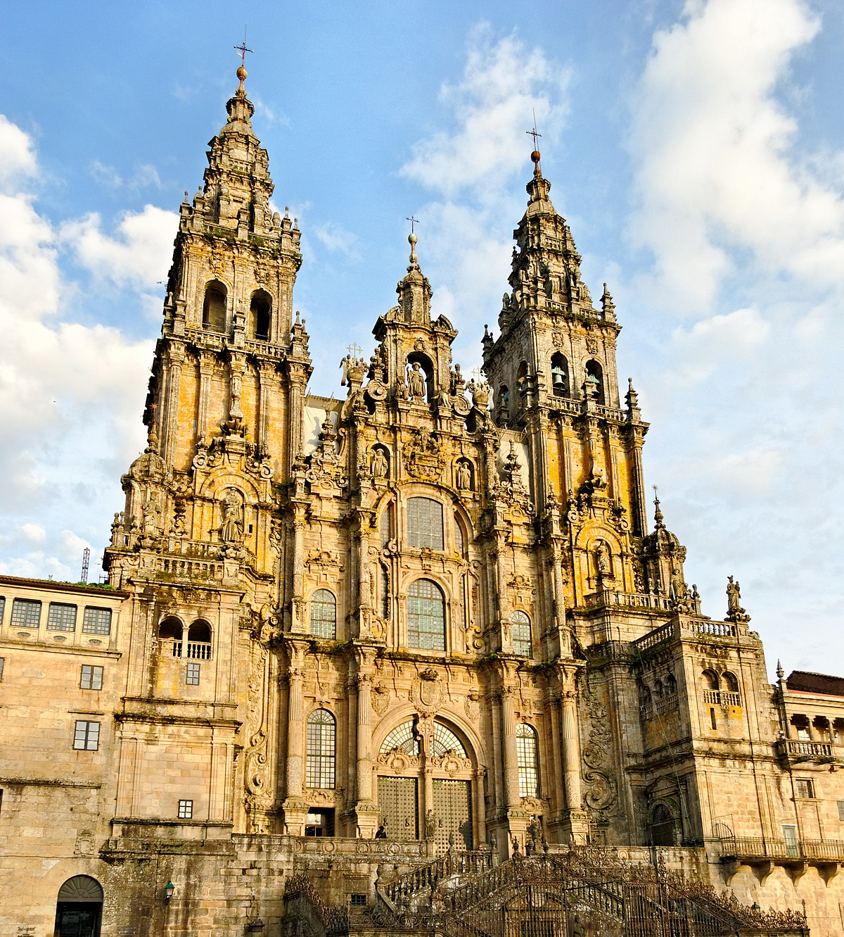 santiago de compostela women Church officials have been forced to overturn a decision to remove a statue of spain's patron saint from the cathedral of santiago de compostela.