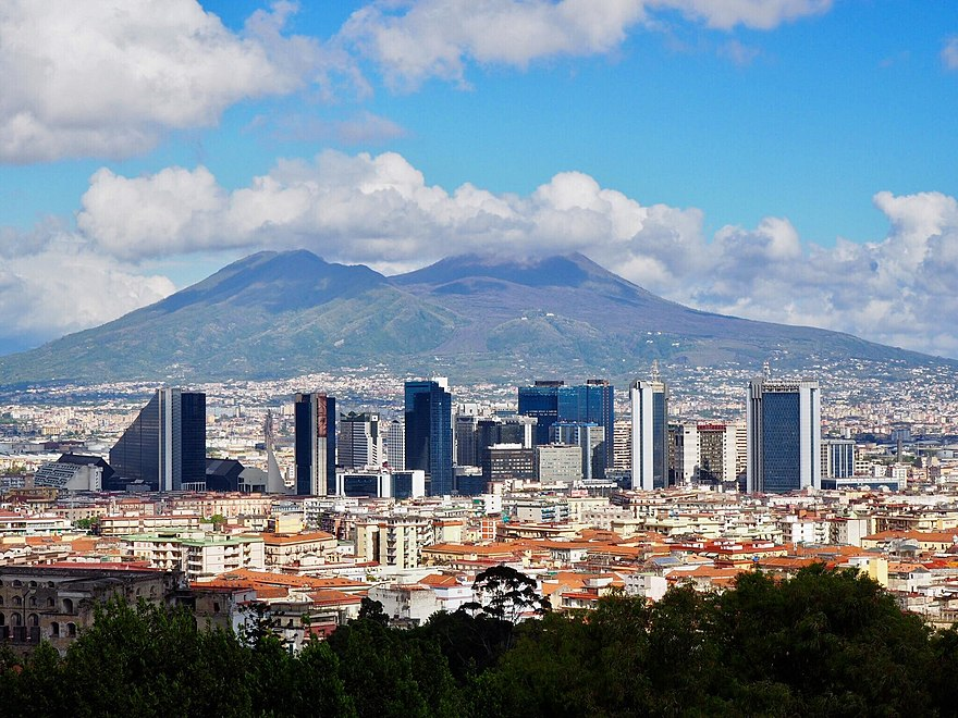 Historical Naples:Origin,Cults,Legends.