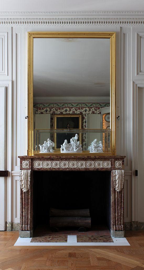 fichierchteau de versailles petit appartement de la reine 2e tage salle manger cheminejpg