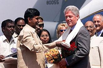 N. Chandrababu Naidu - Naidu greets Bill Clinton in 2000