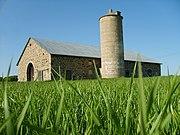 Chase Stone Barn - Green Grass