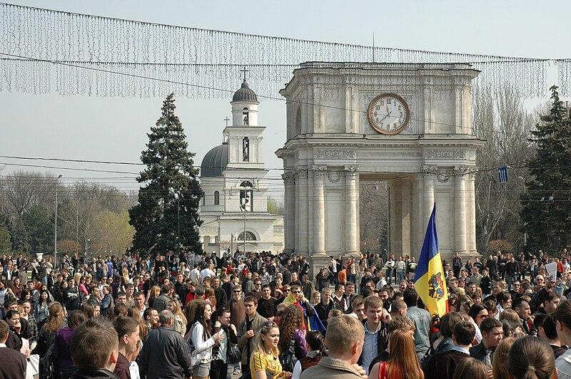 File:Chisinau riot 2009-04-07 23.jpg