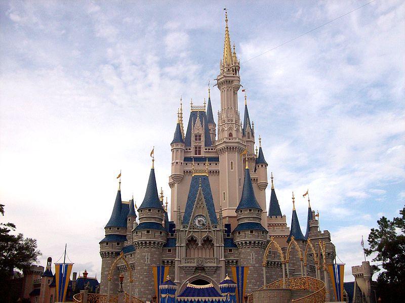 File:Cinderella Castle @ Magic Kingdom.jpg