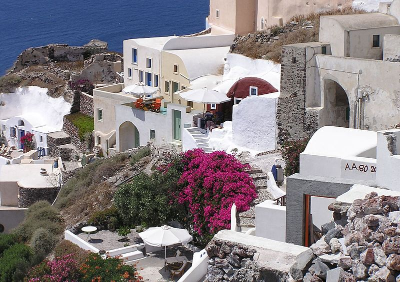 Датотека:Cliff-homes-Oia-Santorini-Greece.jpg