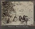 Collectie NMvWereldculturen, RV-A102-1-153, 'Indianen, Boni's en arbeiders'. Foto- G.M. Versteeg, 1903-1904.jpg