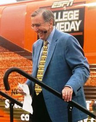 Brent Musburger - Brent Musburger departs the College GameDay bus in Austin, Texas, in 2006