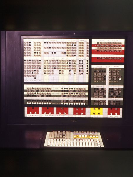 File:Console di comando per sistema Olivetti ELEA 9003 - Museo scienza tecnologia Milano D1230 01 foto.jpg