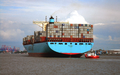 Container ship Emma Maersk with Destination Port of Hamburg.png