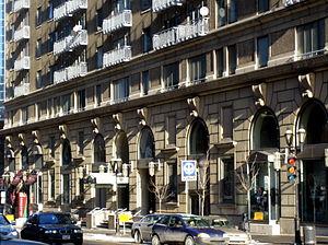 Les Cours Mont-Royal - Les Cours Mont-Royal, from De Maisonneuve Boulevard