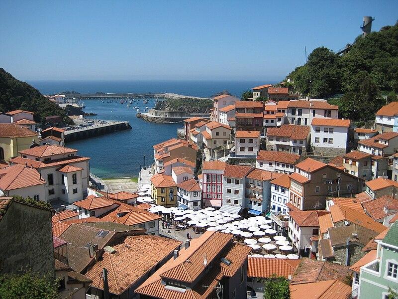 File:Cudillero Asturias.jpg