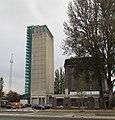 Deventer, grijze en zwarte silo 2015.jpg