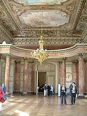 180px-Dijon_-_Palais_des_Ducs_de_Bourgogne_04 dans CHATEAUX DE FRANCE