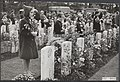 Dodenherdenkingen, oorlogsgraven, scholieren, Airborne kerkhof, Bestanddeelnr 043-0082.jpg