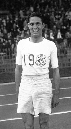 Douglas Lowe (athlete) - Douglas Lowe in 1926