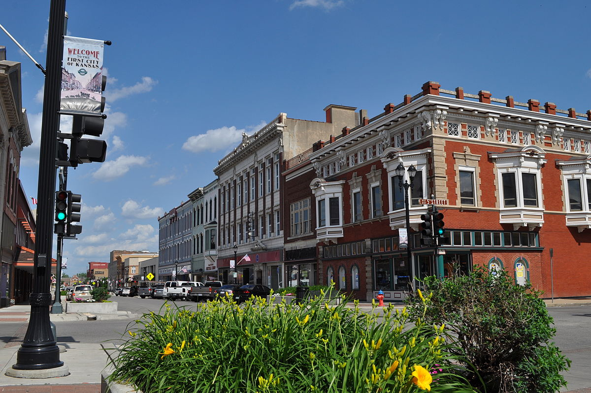 1200px Downtown_Leavenworth%2C_Kansas