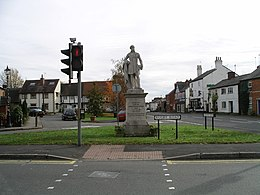 Dunchurch -Rugby Rd -statue-29Oct09.JPG