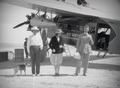 ETH-BIB-Drei Personen vor der Fokker-Tschadseeflug 1930-31-LBS MH02-08-0176.tif