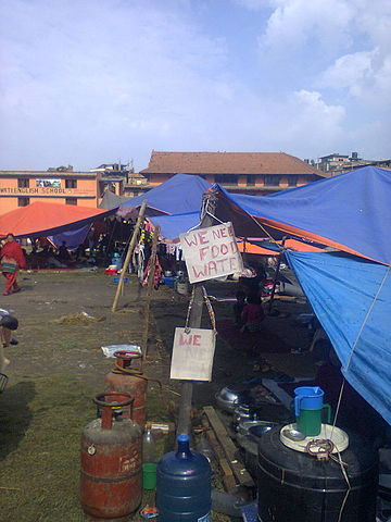 Earthquake camp By Punya (Own work) [CC BY-SA 4.0 (https://creativecommons.org/licenses/by-sa/4.0)], via Wikimedia Commons