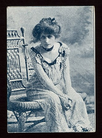 Edith Ellis (playwright) - Image: Edith Ellis sitting