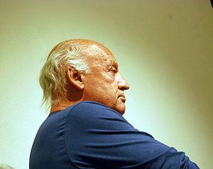 English: Writer Eduardo Galeano having a confe...