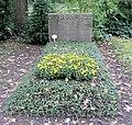 Ehrengrab Potsdamer Chaussee 75 (Niko) Bruno Paul.jpg