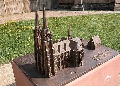 Elisabethkirche Marburg Modell fg06.jpg