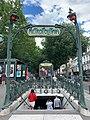 Entrée Station Métro Pigalle Paris 4.jpg
