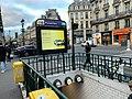 Entrée Station Métro Pyramides Paris 7.jpg
