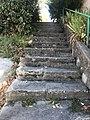Escalier près de la Croix de la Montée des Acacias (Beynost).JPG