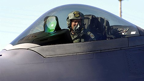 F-22 cockpit close-up.jpg