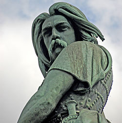 F07 Alesia, Statue Vercingetorix.0043.JPG
