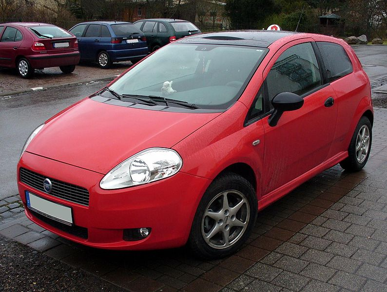 Fiat (official topic) 794px-Fiat_Grande_Punto_rot