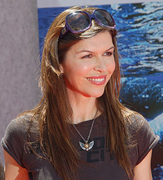Finola Hughes - Hughes at the premiere for Earth in April 2009