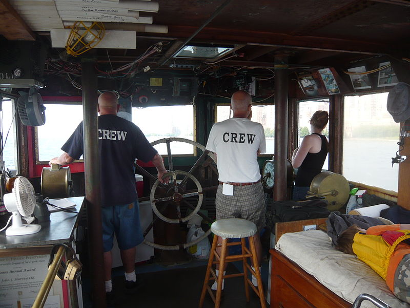 File:Fireboat John J. Harvey.jpg