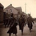 Französische Kriegsgefangene 1940 a.jpg