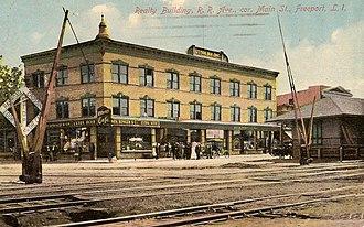 Freeport station (LIRR) - Image: Freeport, NY Otten Building