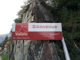 Romandy - Image: French and Arpitan sign in Saint Gingolph (Switzerland)