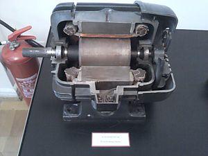 Nikola Tesla Museum - Image: Générateur électrique