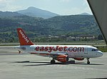 G-EZAK, A319 of EasyJet, Bilbao Airport, May 2019 (02).jpg