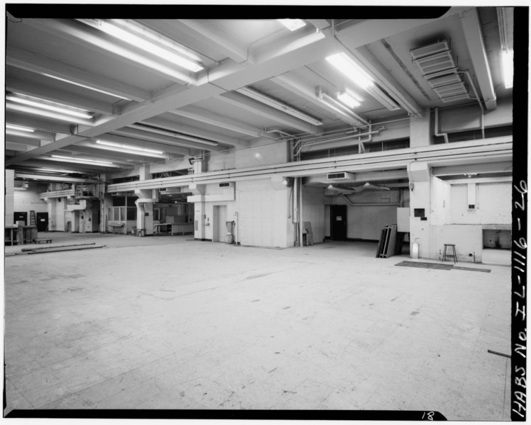 File:GENERAL VIEW OF SHIPPING AND RECEIVING ROOM, 1923 ADDITION, FIRST FLOOR, LOOKING NORTHWEST. FLAMMABLE TEST ROOM IS ON EXTREME RIGHT - Underwriters' Laboratories, 207-231 East HABS ILL,16-CHIG,103-26.tif