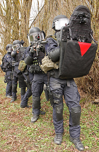 GIGN - GIGN assault column training