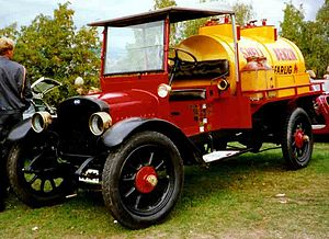 Chevrolet Series 490 - 1919 GMC tanker