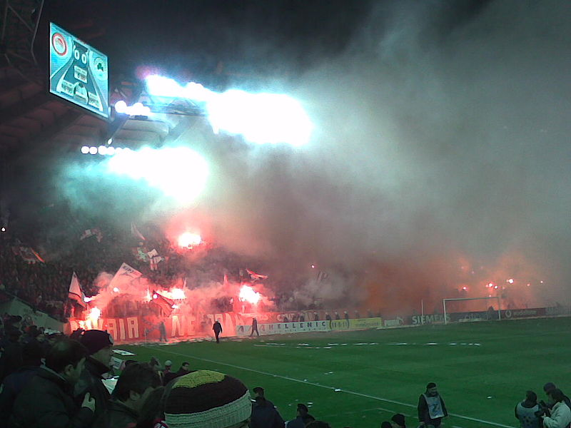 Najveća nogometna rivalstva 800px-Gate7_against_panathinaikos