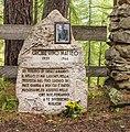 Gedenksteen. Locatie, Kerk van San Rocco met daaromheen de militaire begraafplaats in Peio Paese 01.jpg