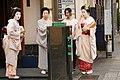Geisha and maiko in Kyoto - 20150620 - 04.jpg