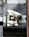 Genova san matteo, facciata, frammenti forse romani 02.JPG