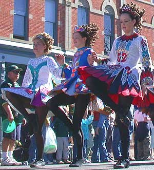 Irish stepdance - Irish step dancers in a St. Patrick's Day Parade in Fort Collins, Colorado