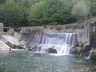 Felitto - Image: Gole del Calore (Waterfall near Felitto)